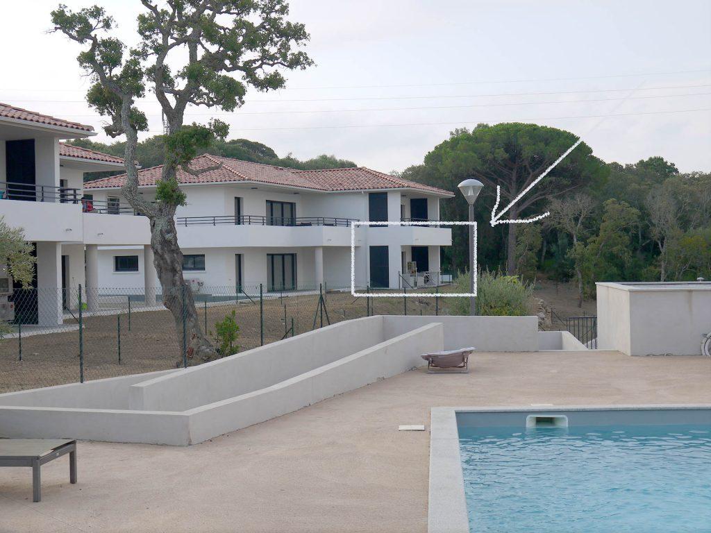 L'appartement depuis la piscine